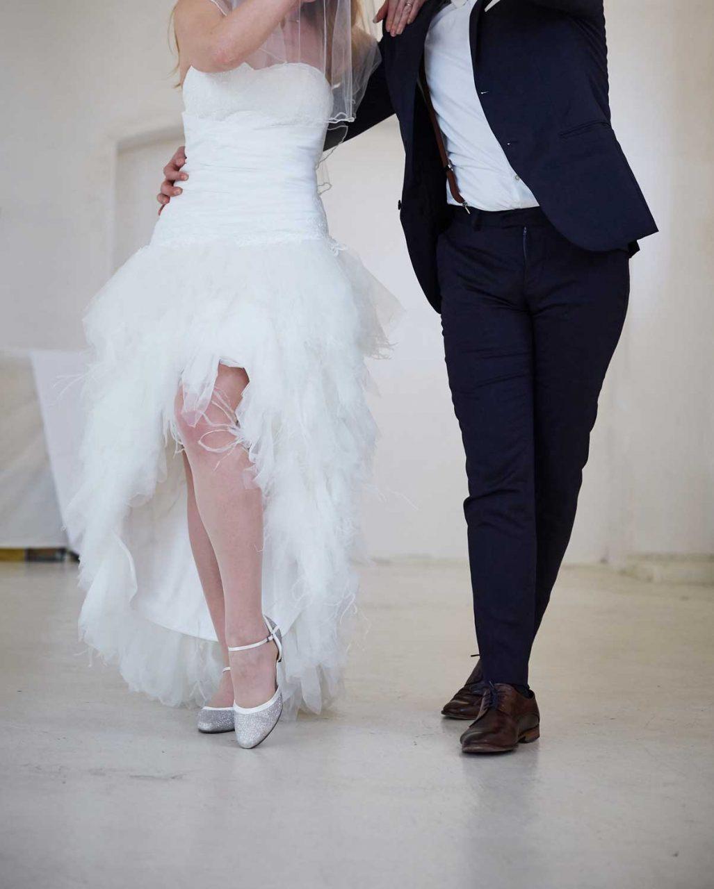 Hochzeitspaar tanzt Tango