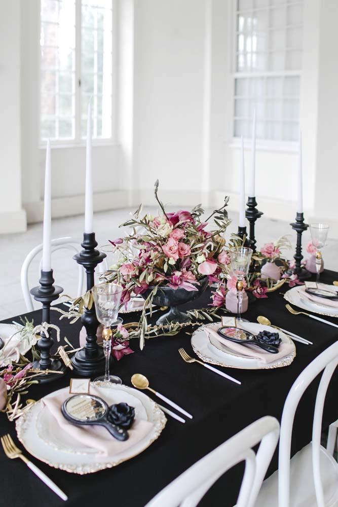 Bube Dame Herz, Elegante Hochzeitsinspiration im Schloss Benrath