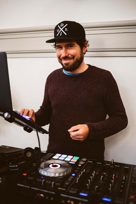 DJ auf der Bube Dame Herz Hochzeitsmesse auf der Galopprennbahn