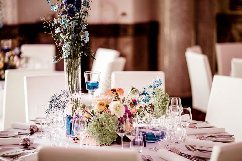 Tischdeko auf Hochzeit im Schloss