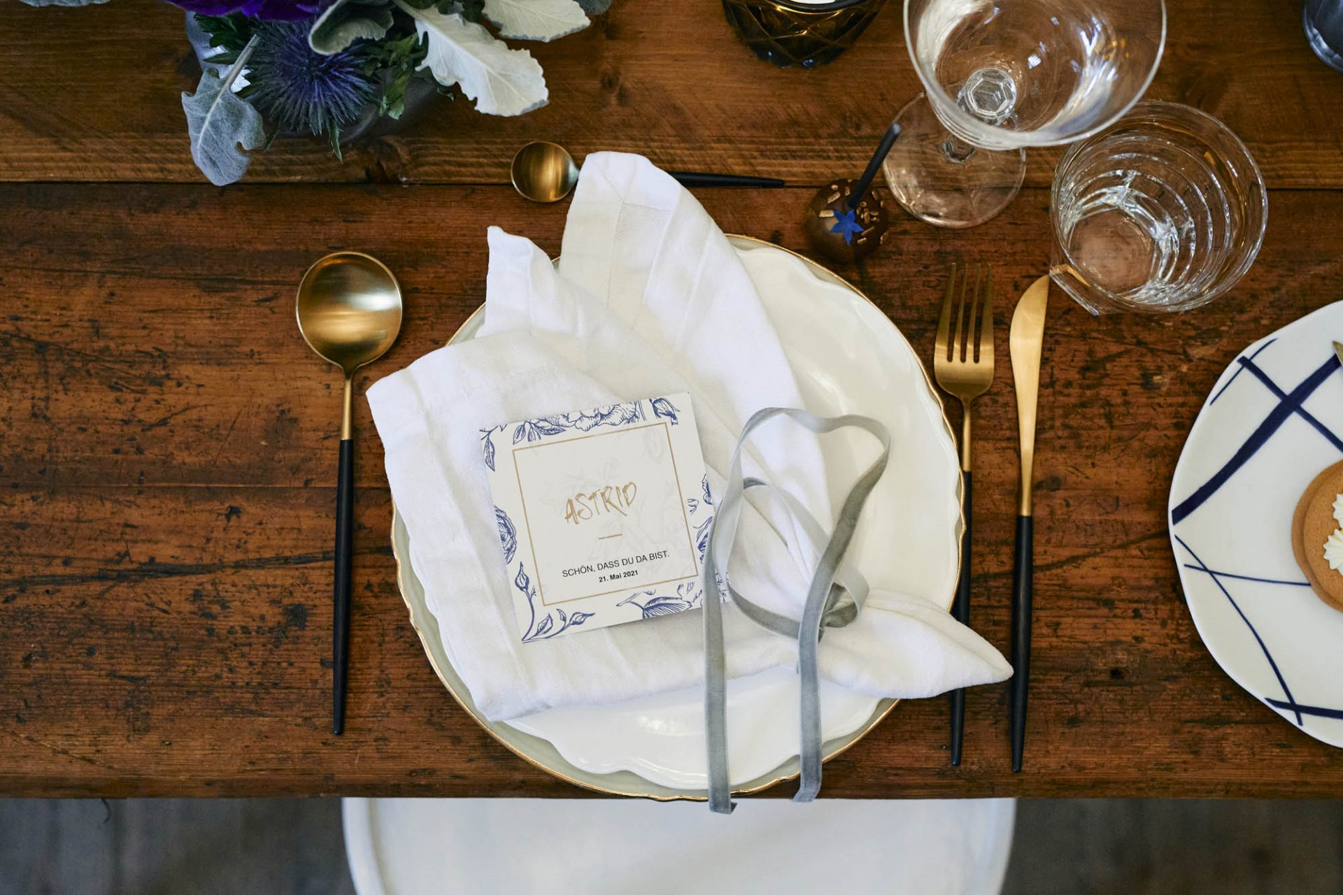Platzkarten für die geladenen Gäste.